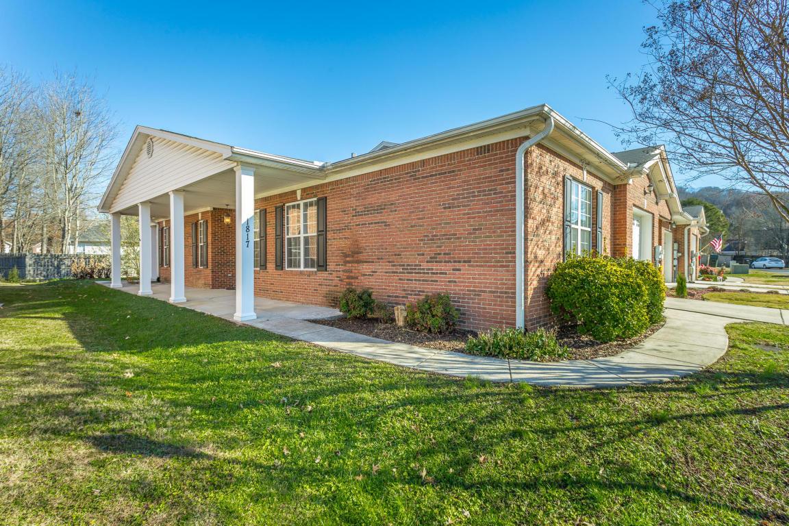 1817 Jackson Square Dr, Hixson, TN 37343