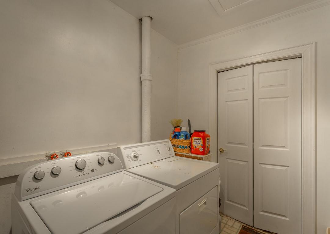 616 E Brow Rd, Lookout Mountain, TN 37350
