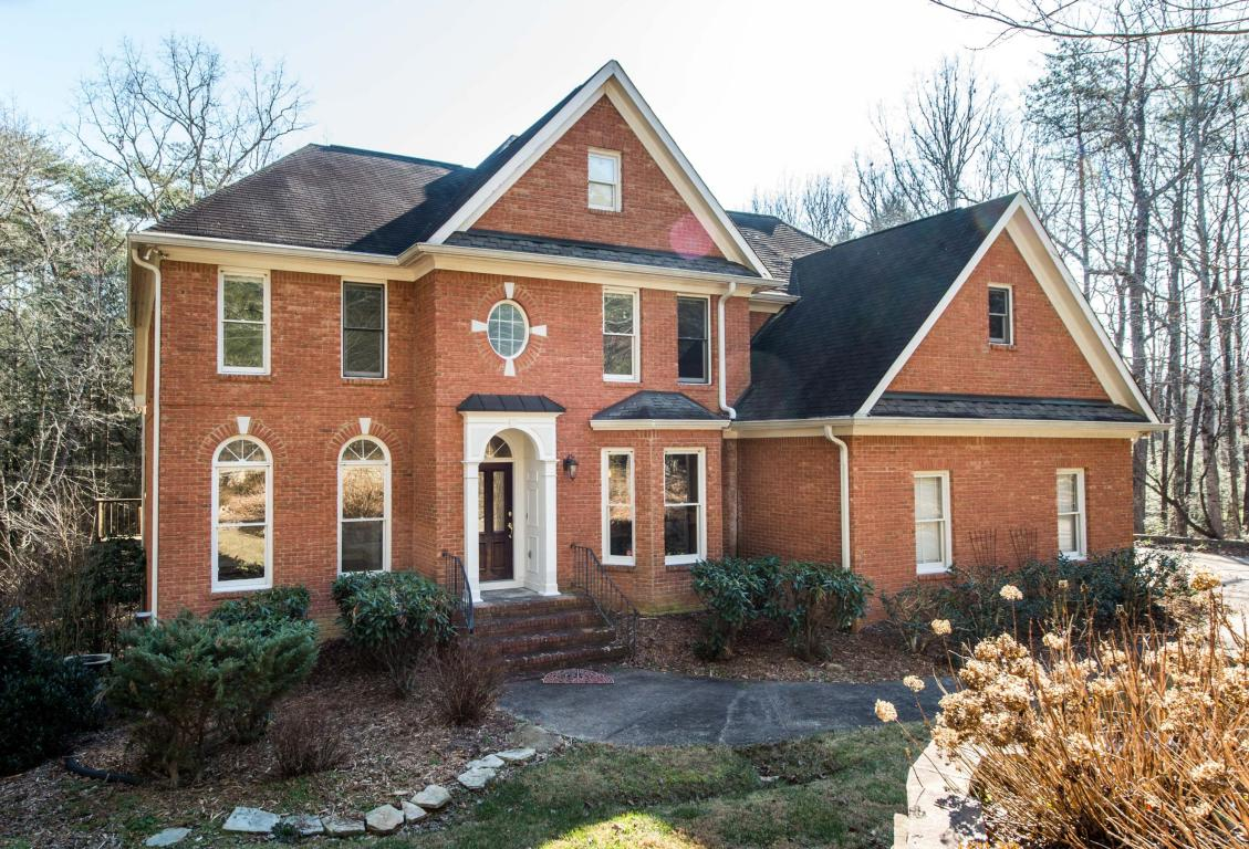 312 Creekshire Dr, Signal Mountain, TN 37377