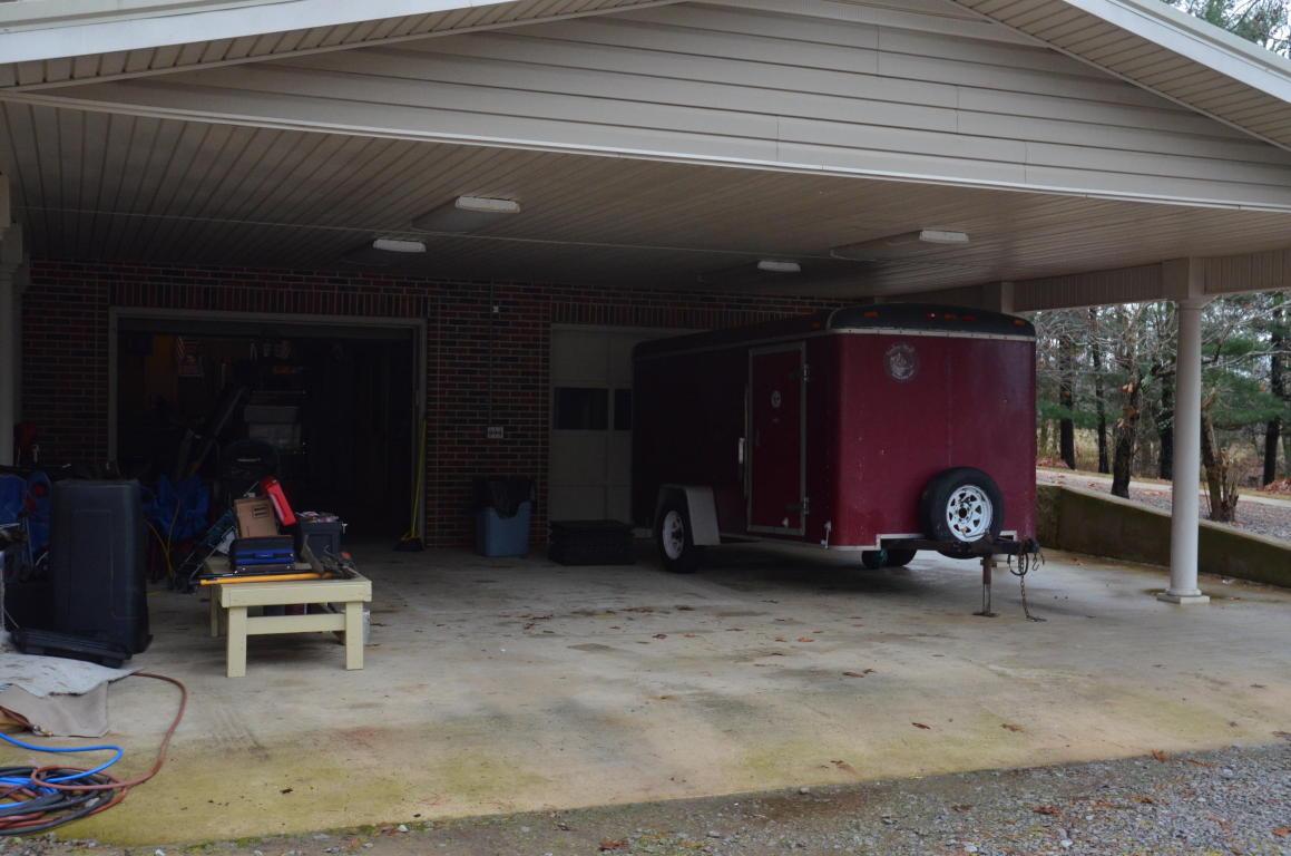 196 Fuller Rd, Trenton, GA 30752