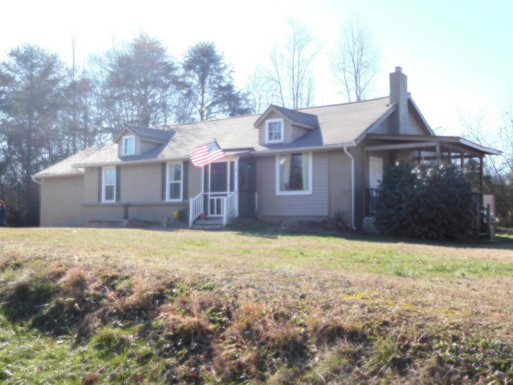 1293 Prospect Rd, Chickamauga, GA 30707