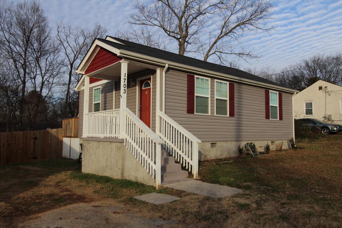 1703 Bagwell Ave, Hixson, TN 37343