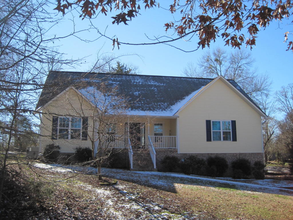 2402 Horseshoe Dr, Soddy Daisy, TN 37379