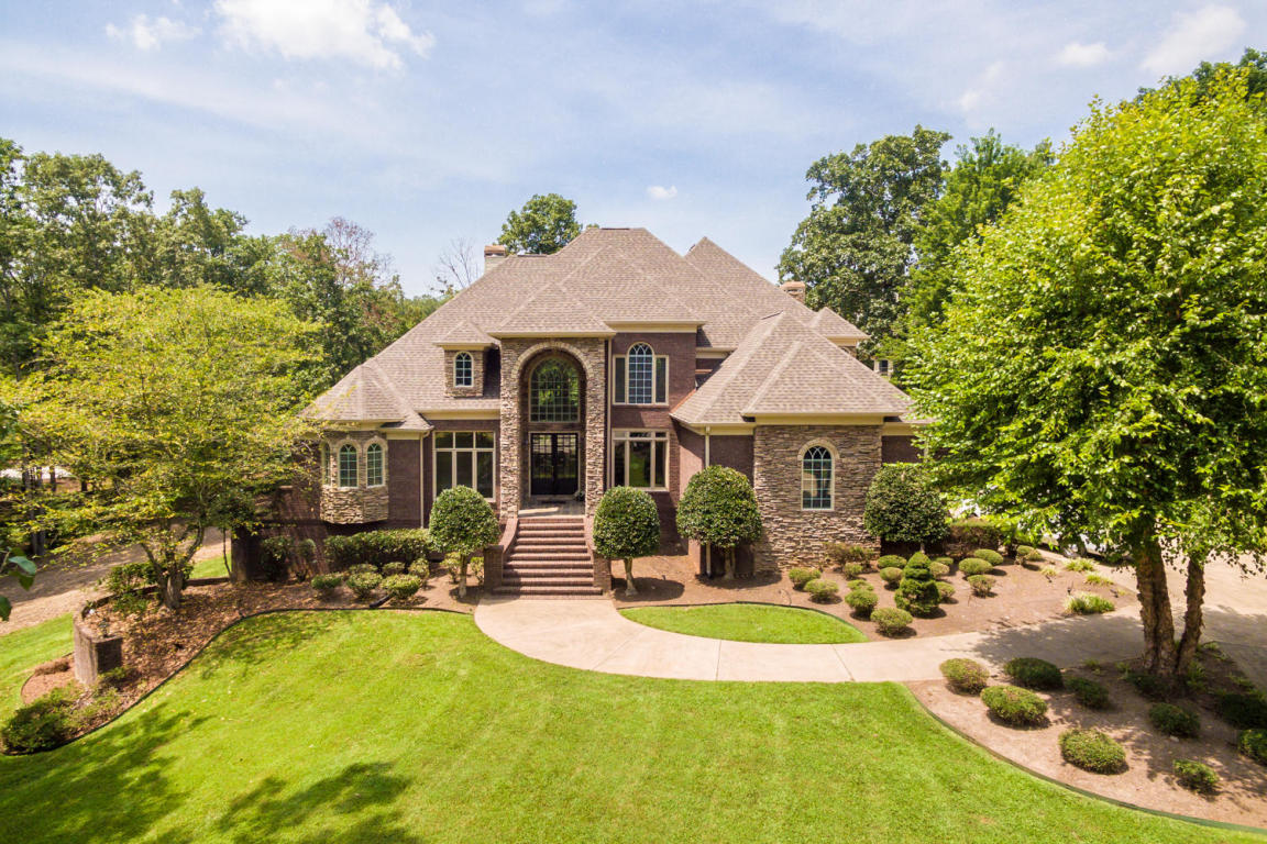 706 Castleview Dr, Chattanooga, TN 37421