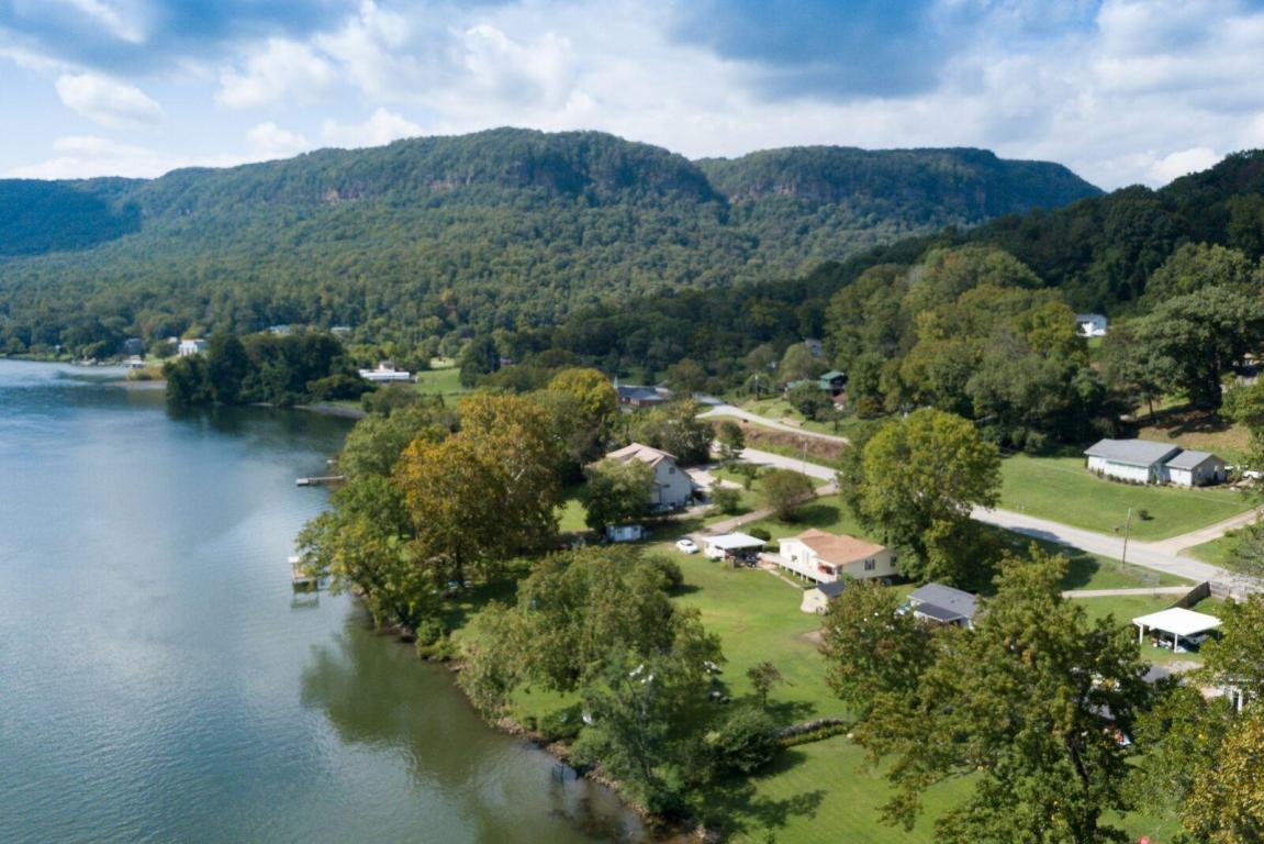 2612 Suck Creek Rd, Chattanooga, TN 37405