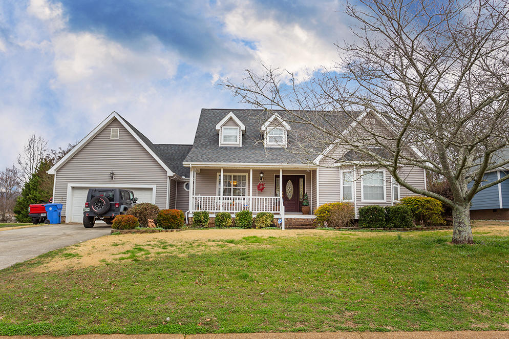 5431 Misty Valley Dr, Ooltewah, TN 37363