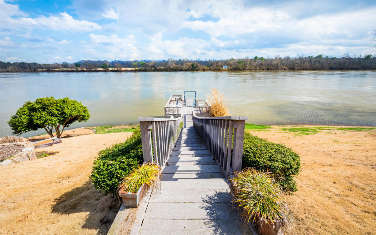 3180 Waterfront Dr, Chattanooga, TN 37419