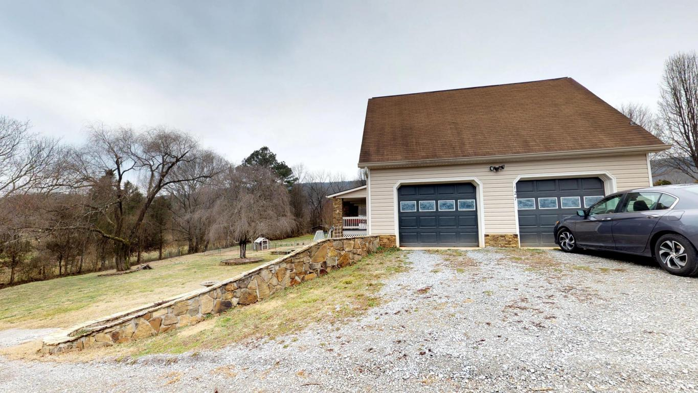 127 Chastain Reed Ln, Spring City, TN 37381