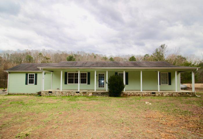 1031 Garretts Chapel Rd, Chickamauga, GA 30707
