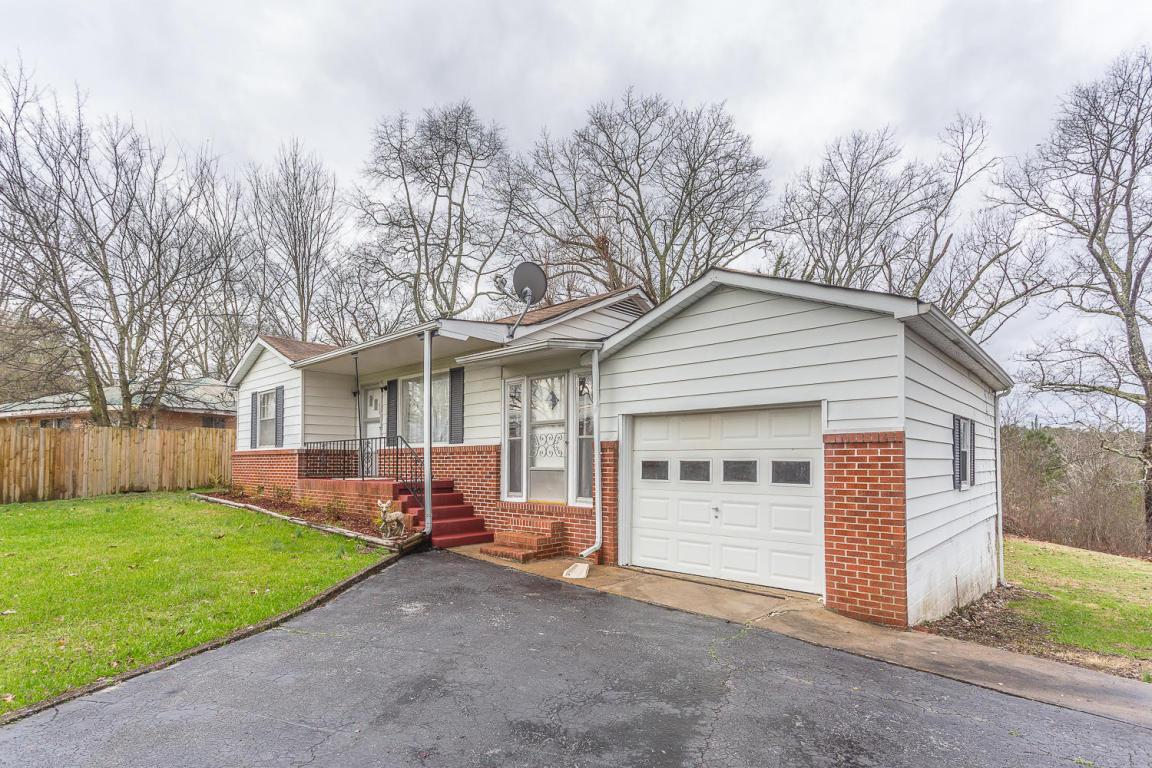 369 N Jenkins Rd, Rossville, GA 30741