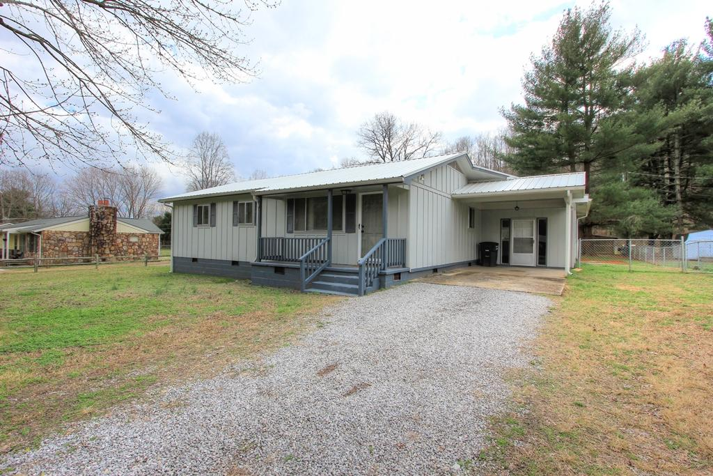 815 Pryor Cove Rd, Jasper, TN 37347