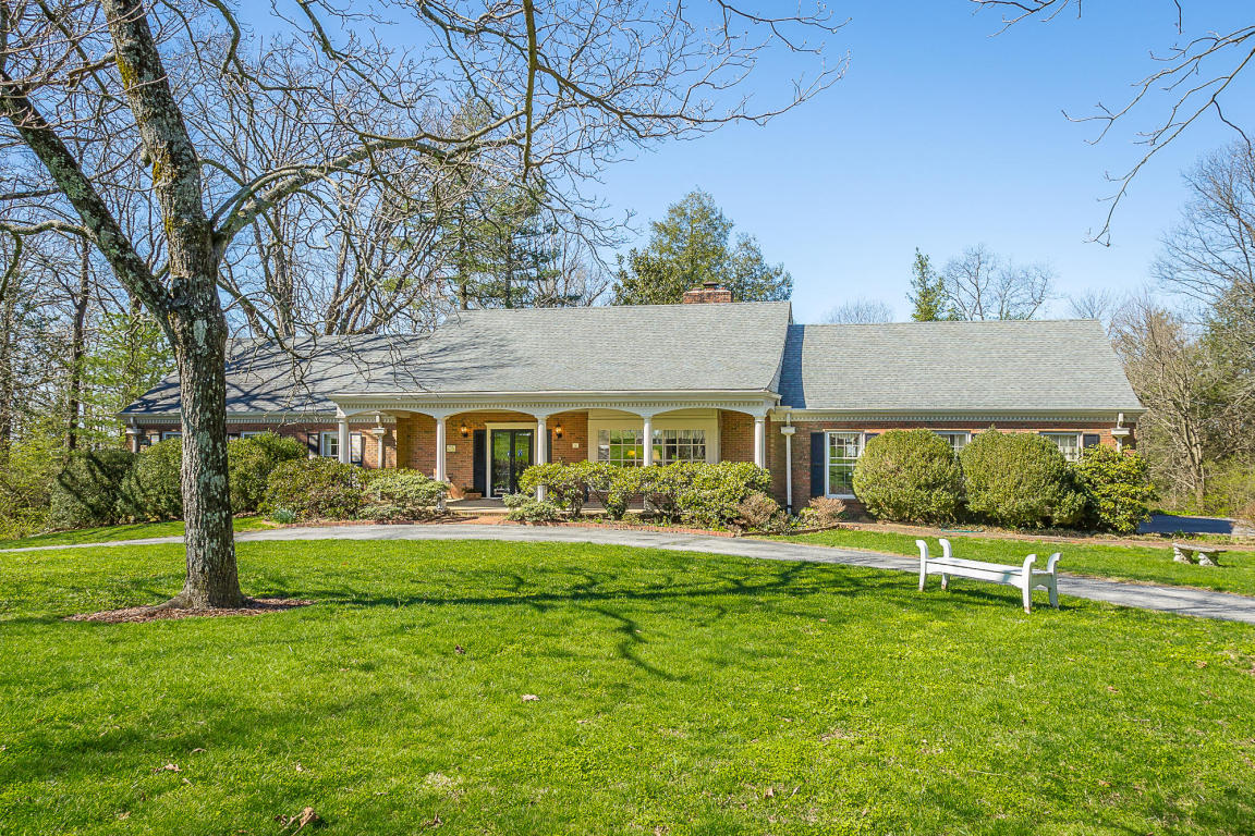 284 Fort Stephenson Ter, Lookout Mountain, TN 37350