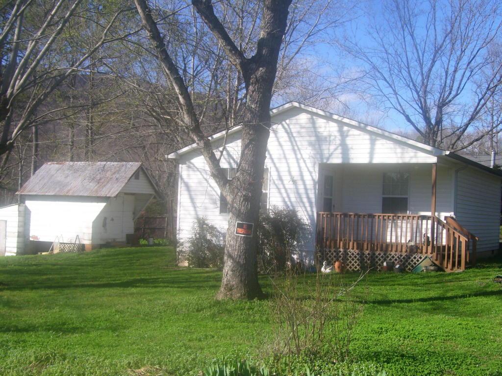 140 W Minnesota Ave, Whitwell, TN 37397