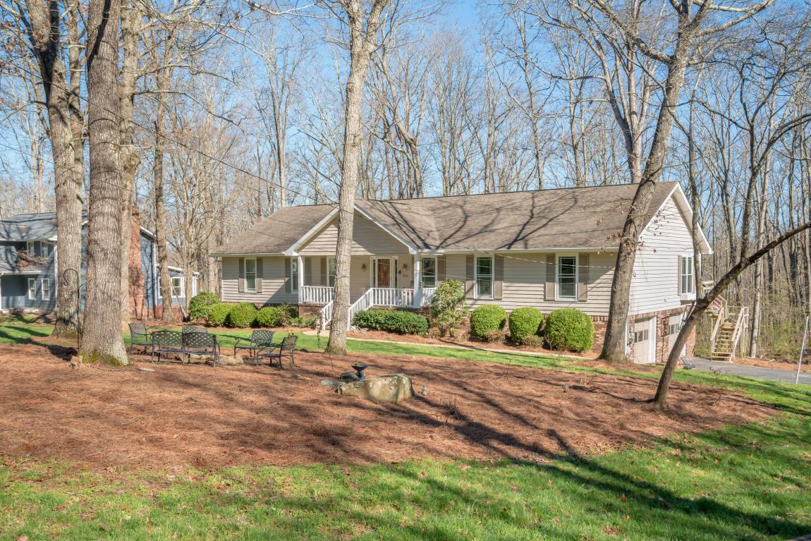 501 Hathaway Dr, Signal Mountain, TN 37377