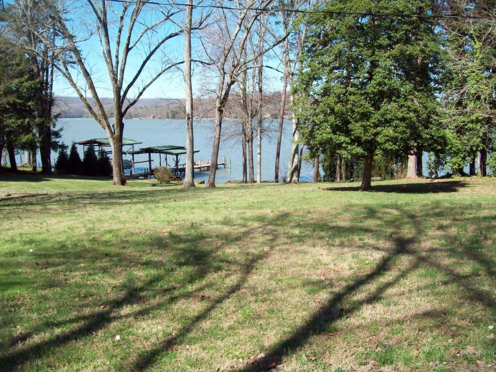 120 Terrace View Dr, Spring City, TN 37381
