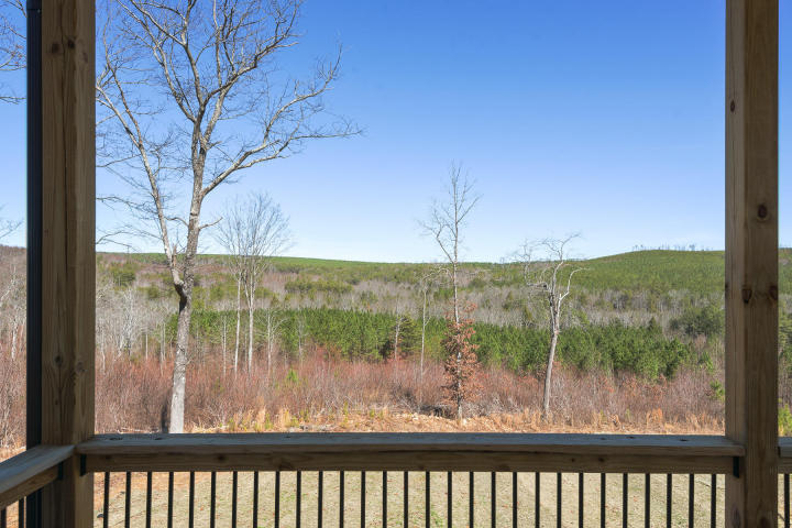 645 Walden Farms Rd, Signal Mountain, TN 37377