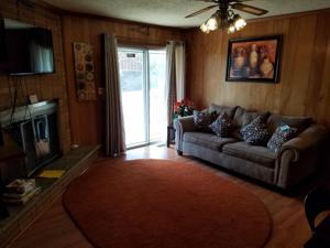 3902 Kemp Cir, Chattanooga, TN 37411