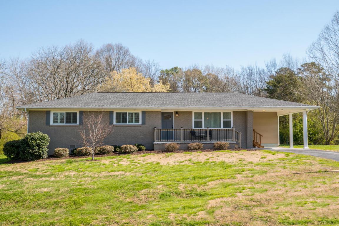 4611 Woodland Ln, Hixson, TN 37343