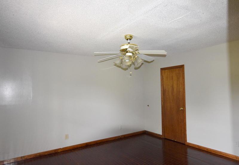 286 Circle R Dr, Benton, TN 37307