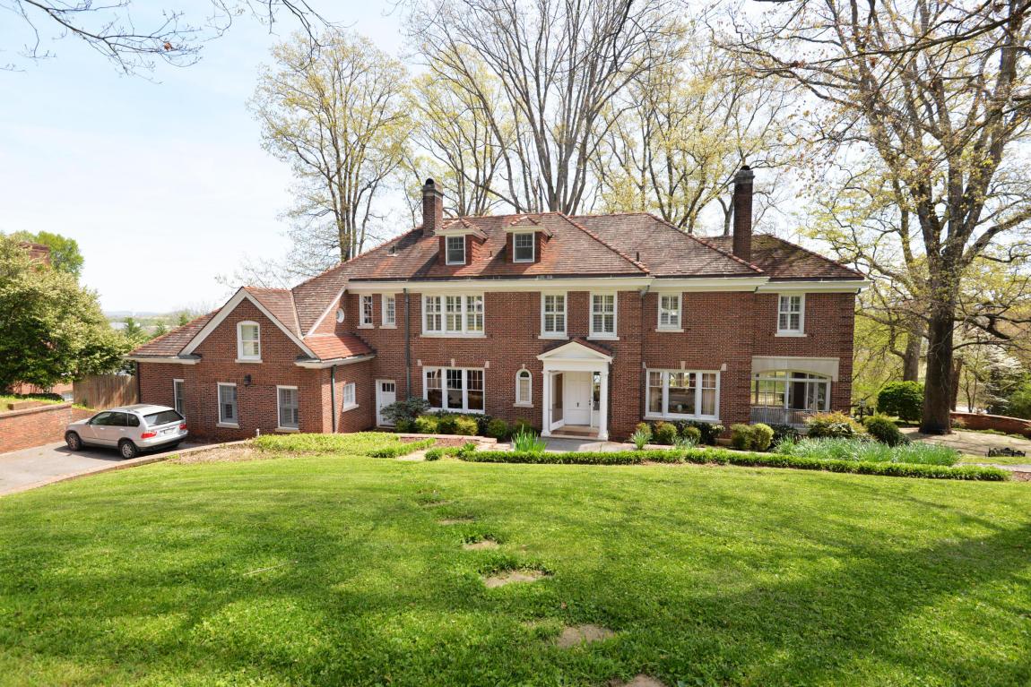 1651 Hillcrest Rd, Chattanooga, TN 37405