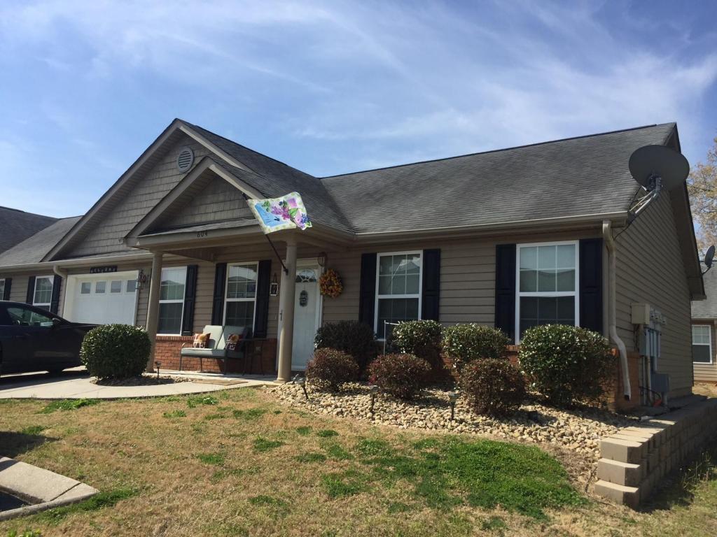 604 Cedar Creek Dr, Rossville, GA 30741