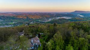 1525 Sunset Dr, Signal Mountain, TN 37377