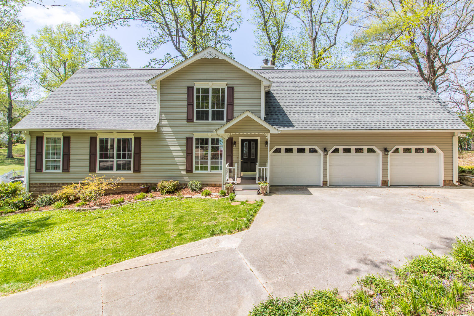 11648 Hixson Pike, Soddy Daisy, TN 37379