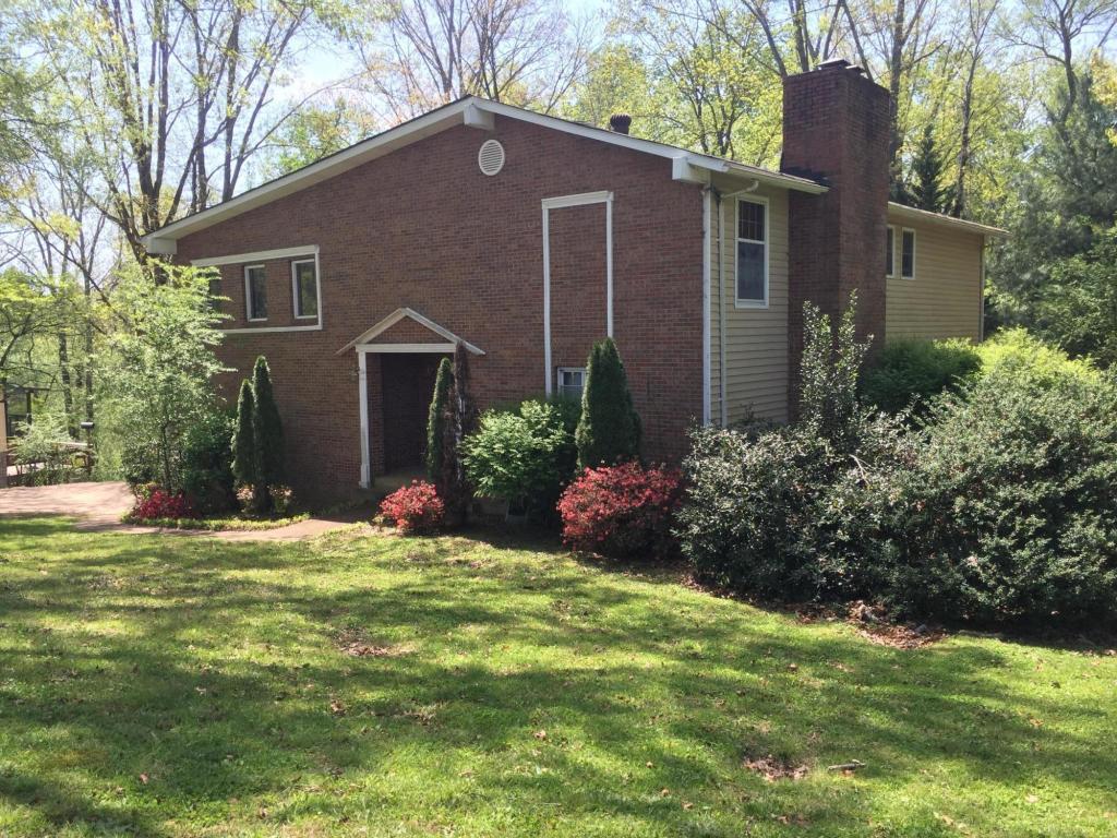 1317 Timbercrest Ln, Chattanooga, TN 37421