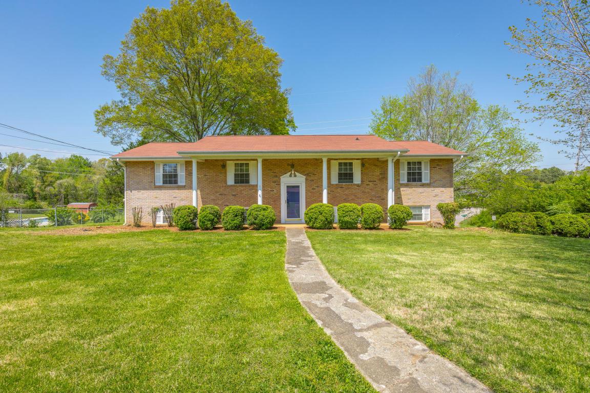 4009 Webb Rd, Chattanooga, TN 37416