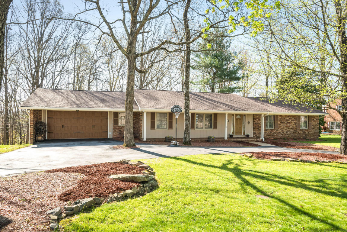 164 Woodcliff Cir, Signal Mountain, TN 37377