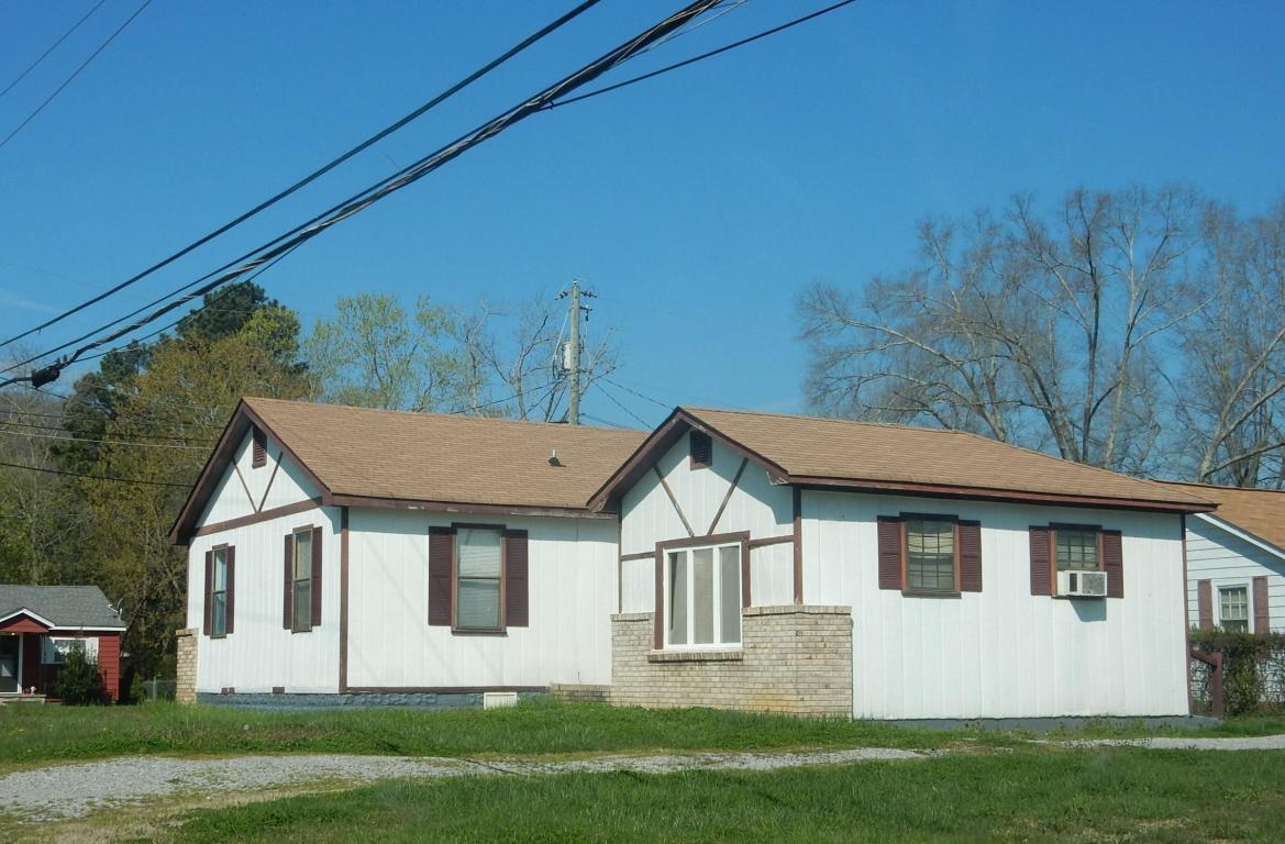 1544 Mert St, Rossville, GA 30741