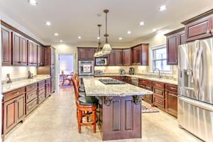 1203 Laurel Springs Way, Signal Mountain, TN 37377