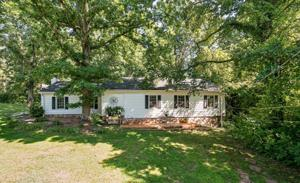 108 Whiteside St, Lookout Mountain, TN 37350