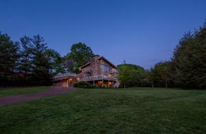 507 Scenic Hwy, Lookout Mountain, TN 37350