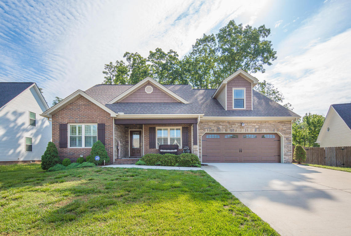 678 Soaring Eagle Cir, Hixson, TN 37343
