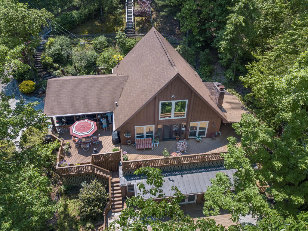 1041 Clift Cave Rd, Soddy Daisy, TN 37379
