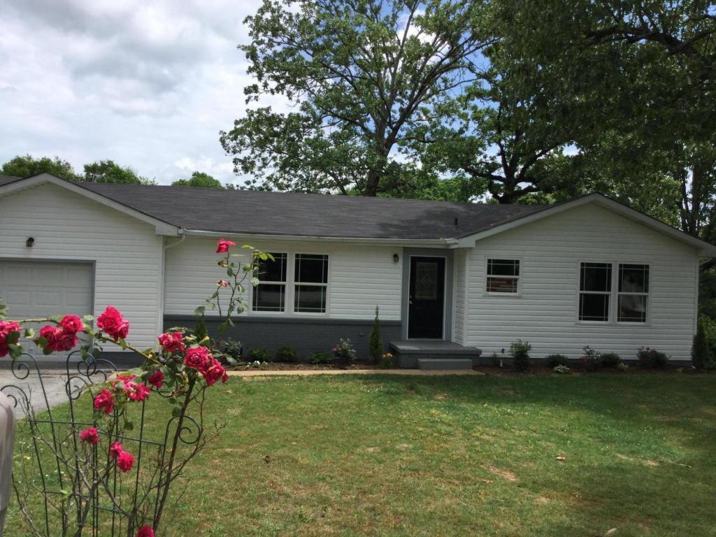 1237 Cranbrook Dr, Hixson, TN 37343