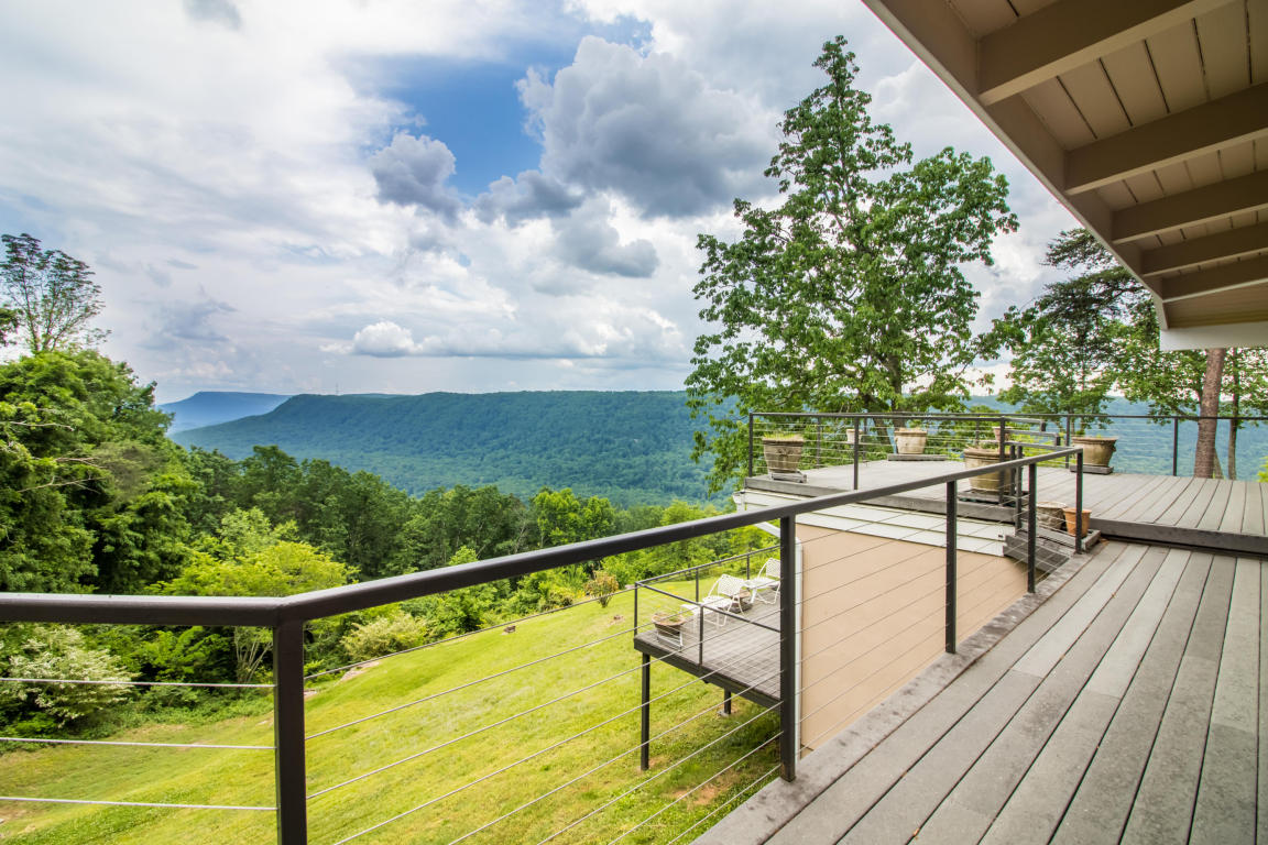 114 Riverpoint Rd, Signal Mountain, TN 37377