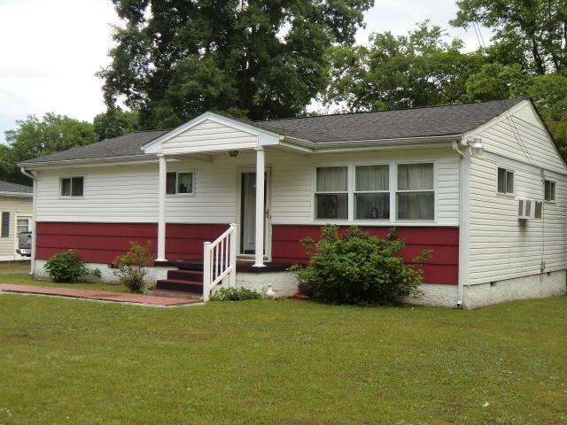 393 Mcafee Rd, Rossville, GA 30741