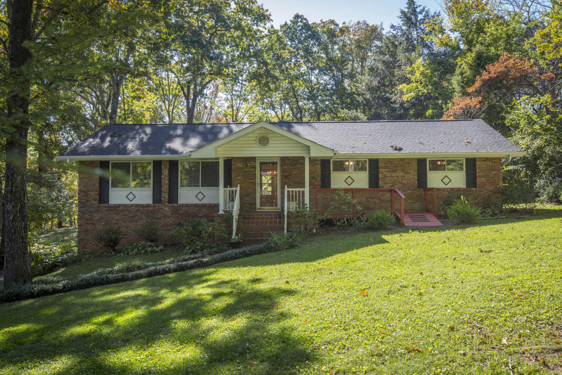 624 Miles Rd, Signal Mountain, TN 37377