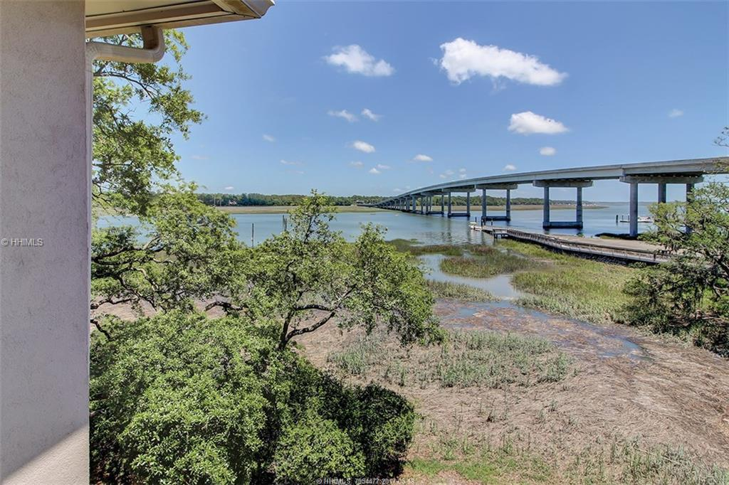 70 Helmsman Way, Hilton Head Island, SC 29928