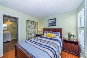 34 S Forest Beach Drive, Hilton Head Island, SC 29928