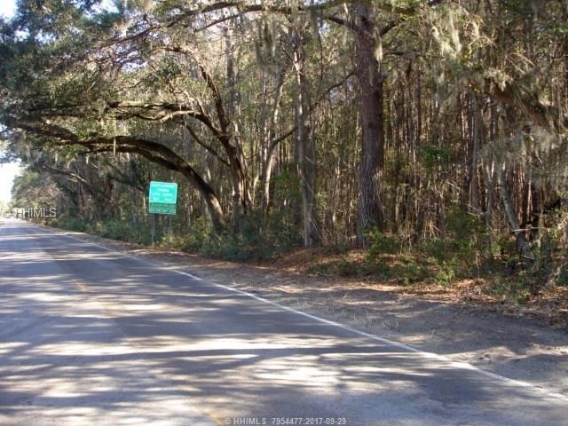 689 Sea Side Road, Saint Helena Island, SC 29920