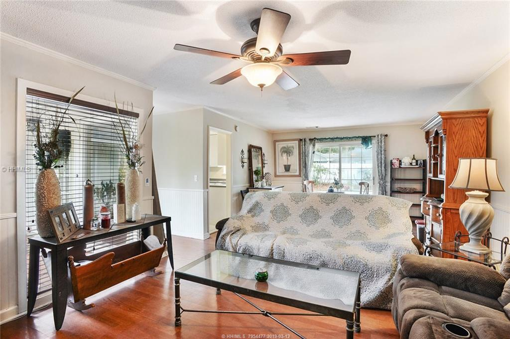 10 Pelican Street, Hilton Head Island, SC 29928