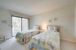 1 Gloucester Road, Hilton Head Island, SC 29928