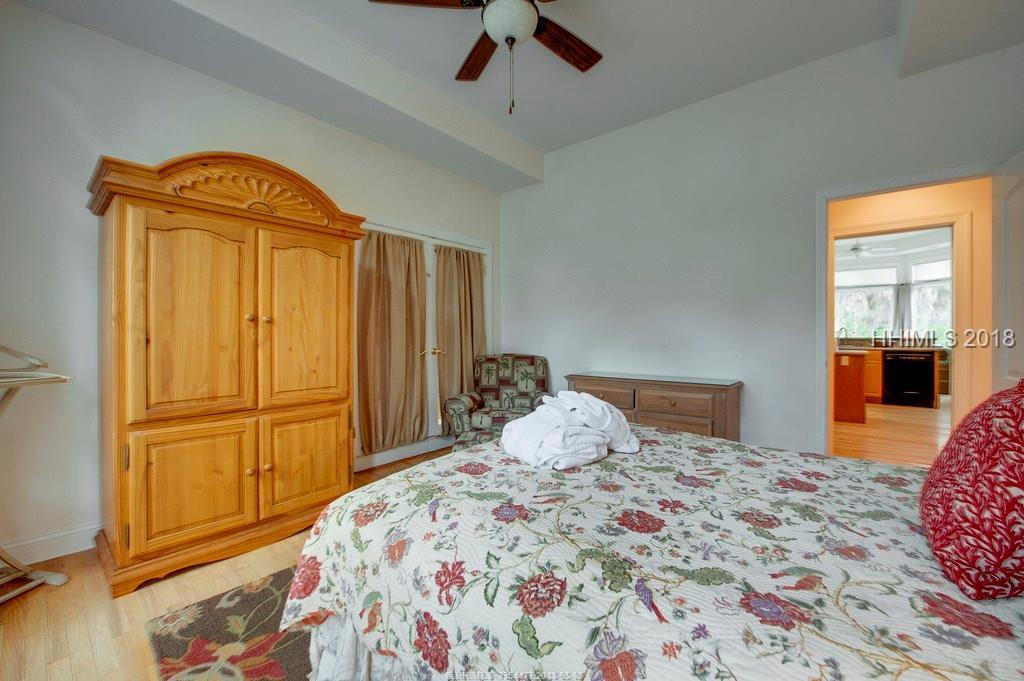 14 Promontory Ct, Hilton Head Island, SC 29928