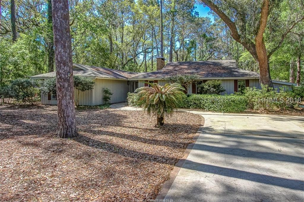 15 Old Military Road, Hilton Head Island, SC 29928