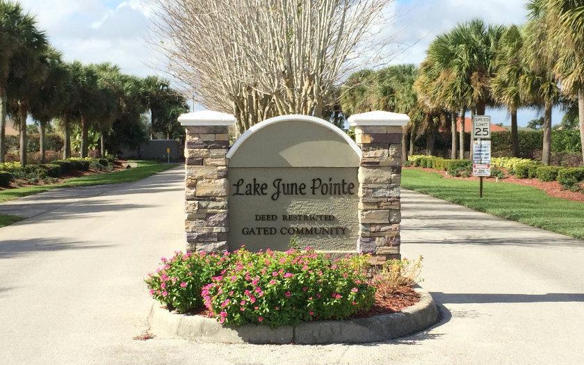 484 Sunset Pointe Dr, Lake Placid, FL 33852