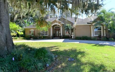 6028 Strafford Oaks Dr, Sebring, FL 33875
