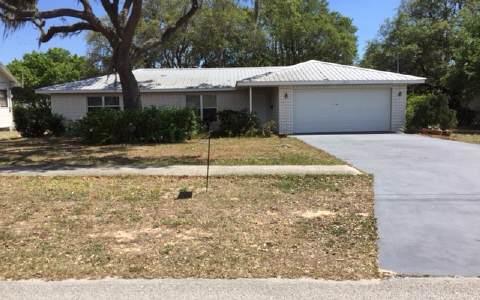 218 E Walnut St, Avon Park, FL 33825